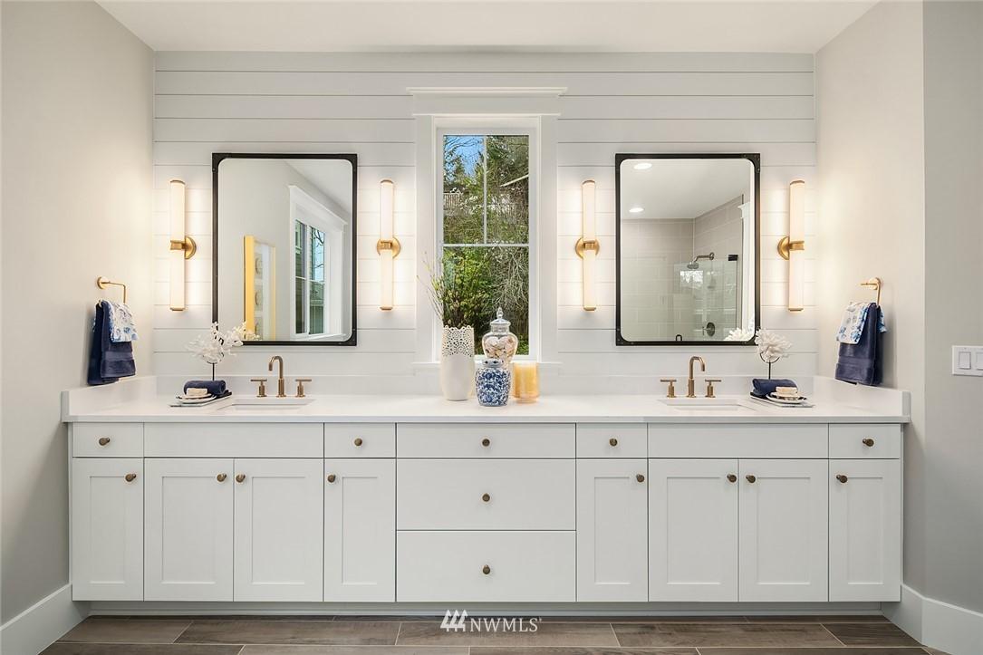Sold Property | 6347 NE 61st Street Seattle, WA 98115 21