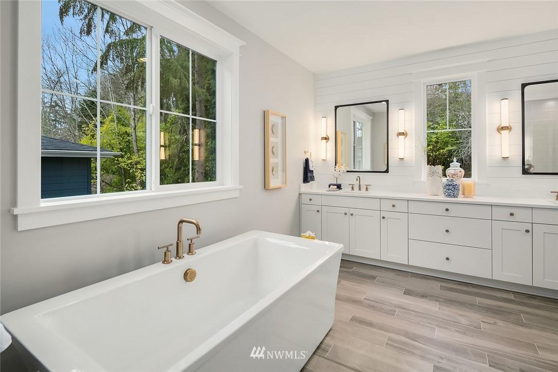 Sold Property | 6347 NE 61st Street Seattle, WA 98115 22