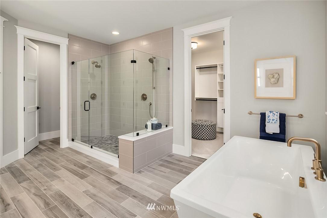 Sold Property | 6347 NE 61st Street Seattle, WA 98115 23