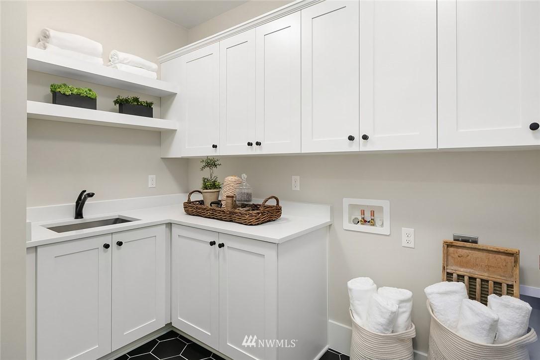 Sold Property | 6347 NE 61st Street Seattle, WA 98115 26