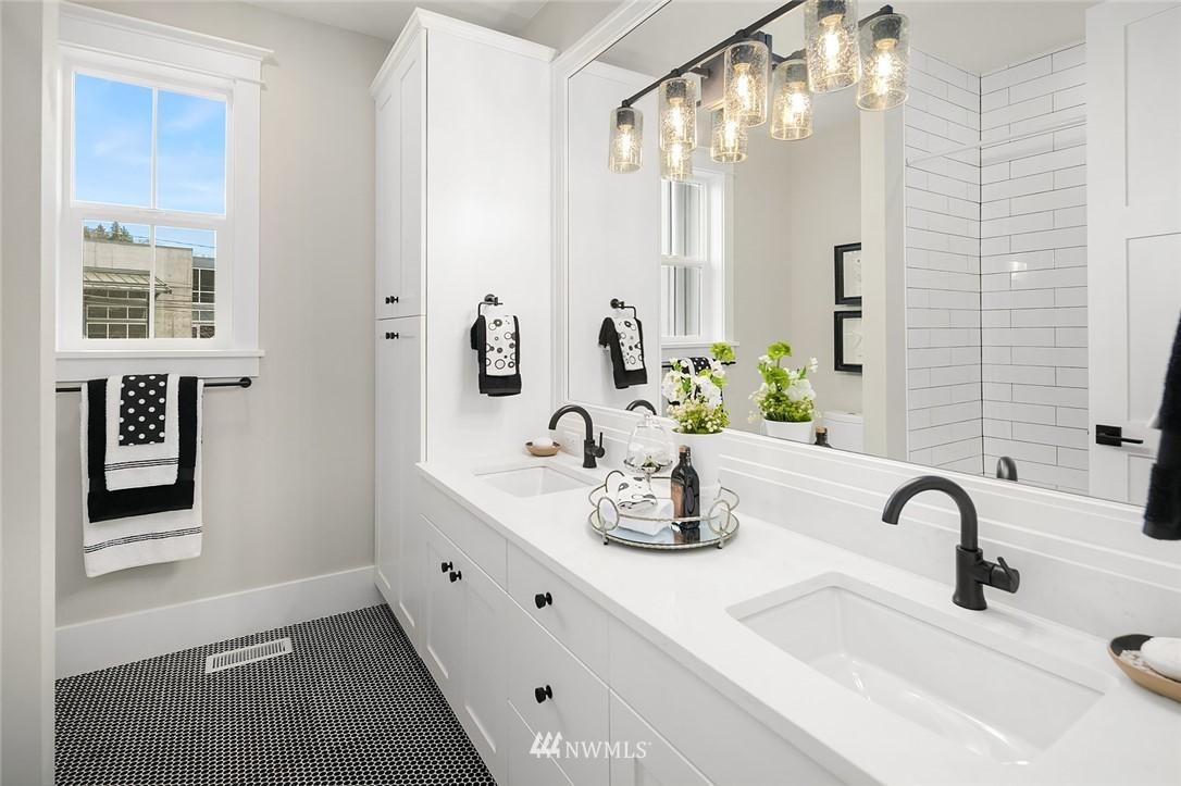 Sold Property | 6347 NE 61st Street Seattle, WA 98115 29