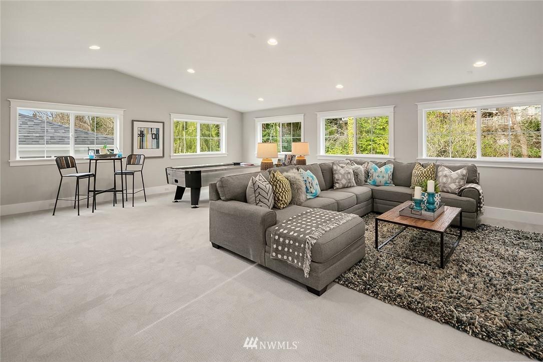 Sold Property | 6347 NE 61st Street Seattle, WA 98115 31
