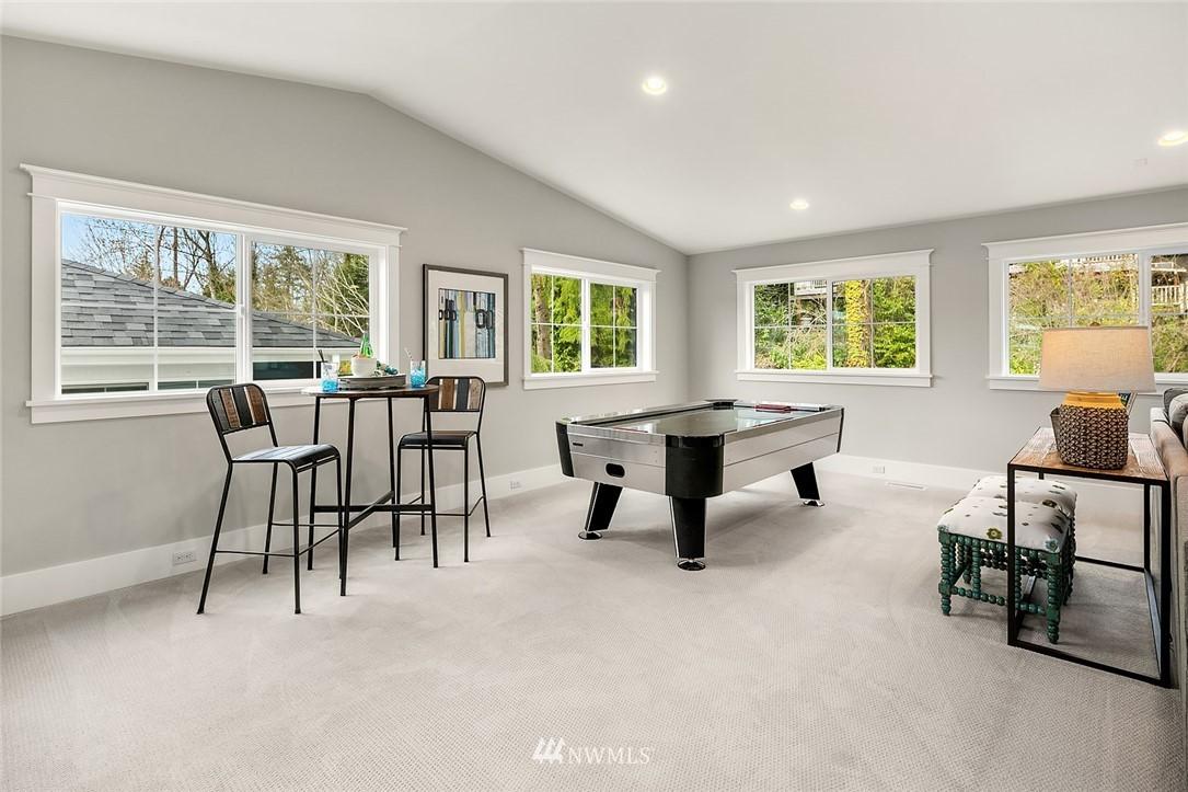 Sold Property | 6347 NE 61st Street Seattle, WA 98115 32