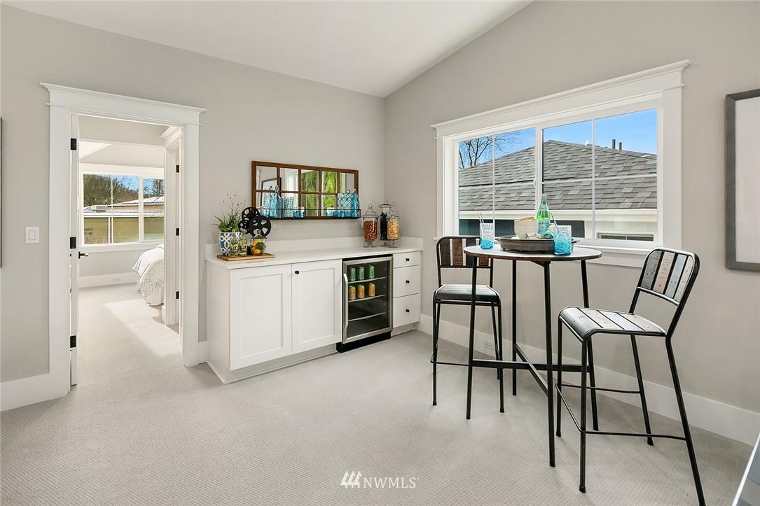 Sold Property | 6347 NE 61st Street Seattle, WA 98115 33