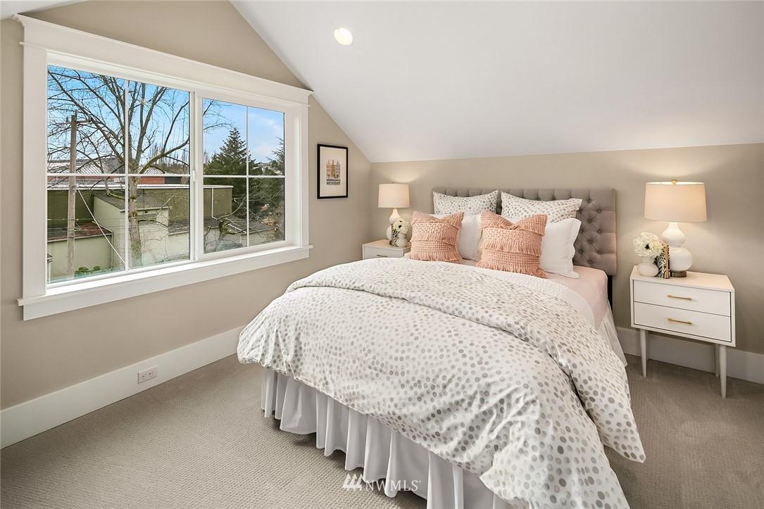 Sold Property | 6347 NE 61st Street Seattle, WA 98115 34