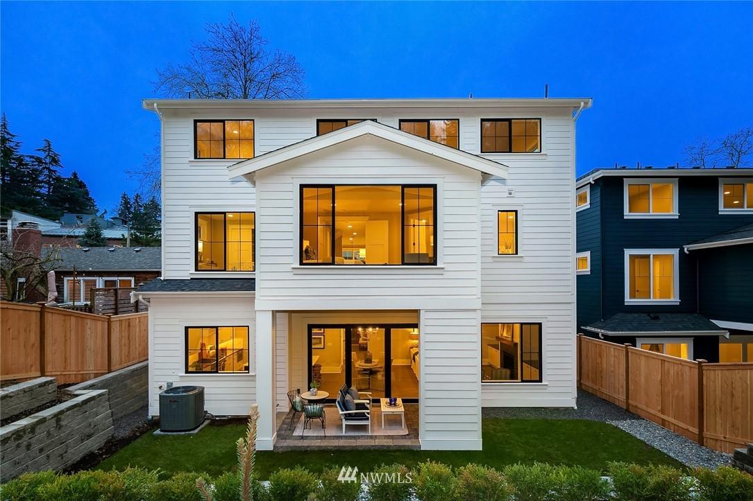 Sold Property | 6347 NE 61st Street Seattle, WA 98115 36