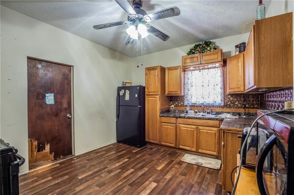 ActiveUnderContract | 6404 Ponca Street Austin, TX 78741 4