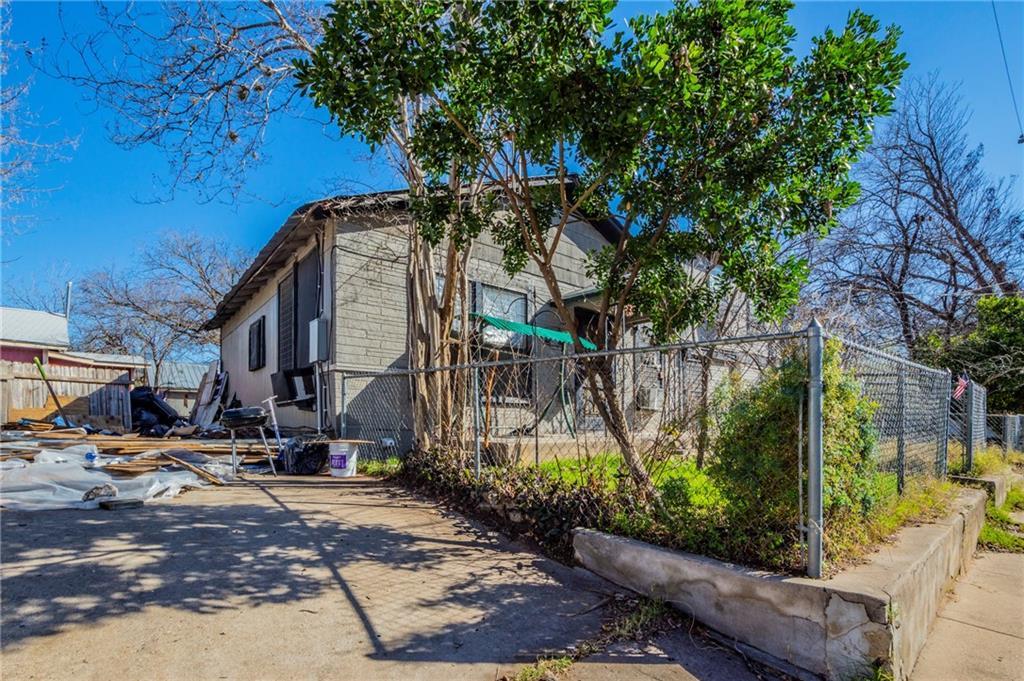 ActiveUnderContract | 6404 Ponca Street Austin, TX 78741 15