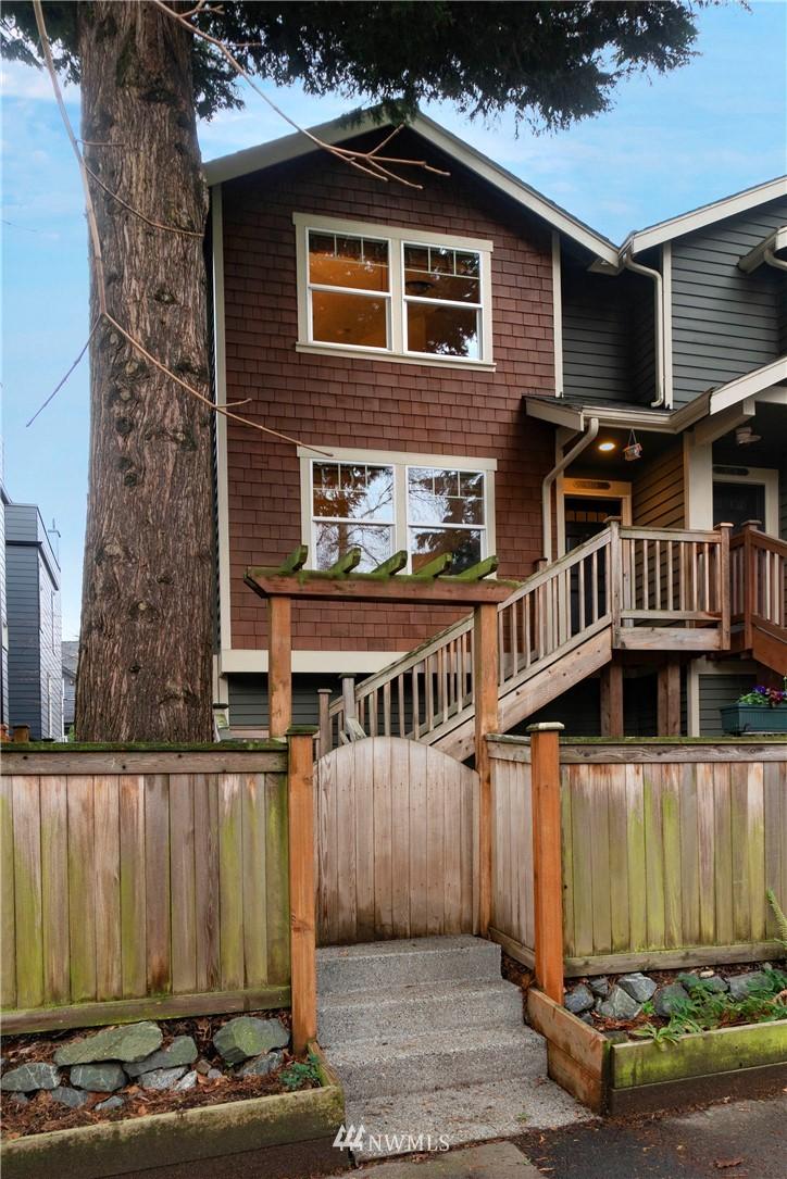 Sold Property | 927 18th Avenue #A Seattle, WA 98122 1