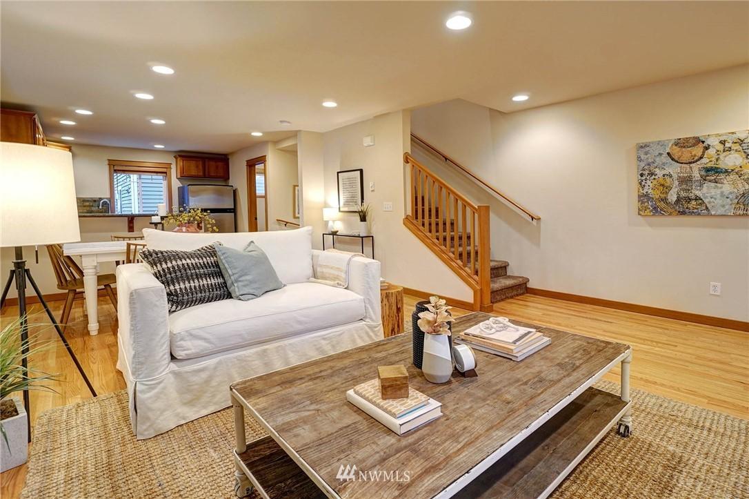 Sold Property | 927 18th Avenue #A Seattle, WA 98122 5