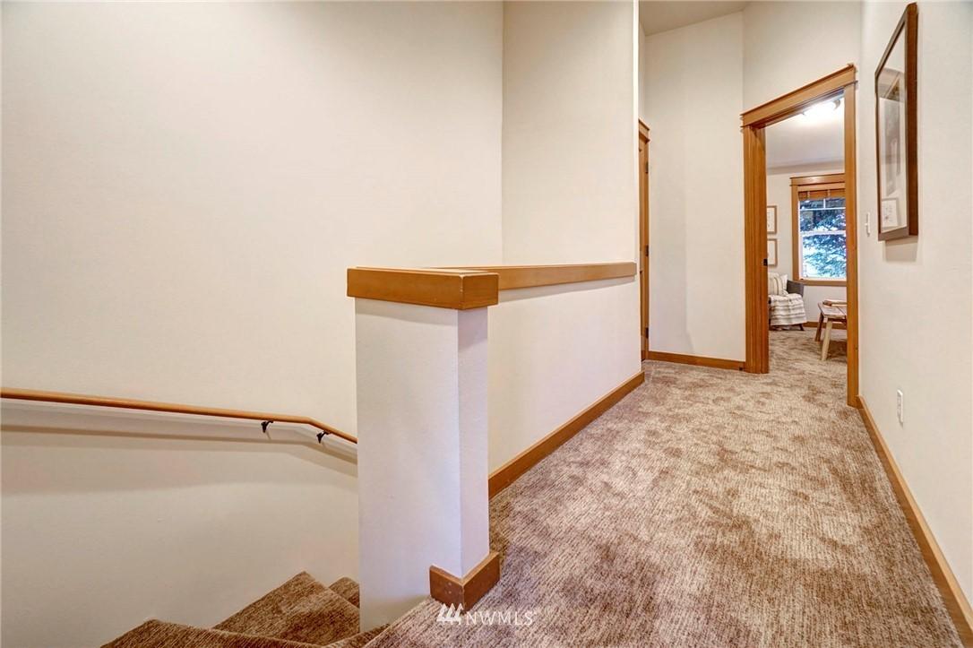 Sold Property | 927 18th Avenue #A Seattle, WA 98122 12