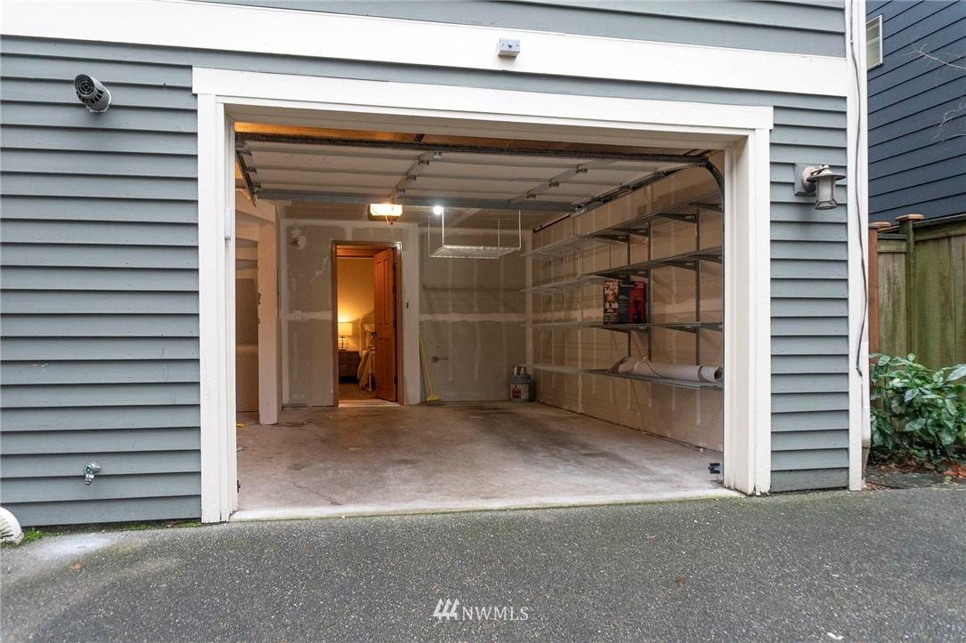 Sold Property | 927 18th Avenue #A Seattle, WA 98122 23