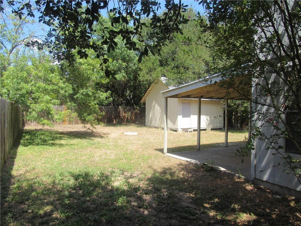 Closed   2916 Zeke Bend Austin, TX 78745 13