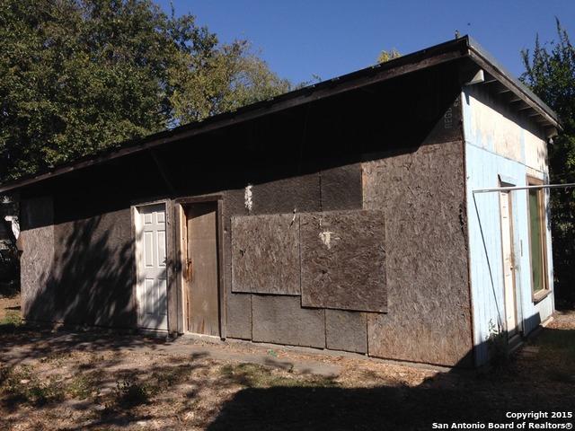 Pending   1609 W Travis St San Antonio, TX 78207 9