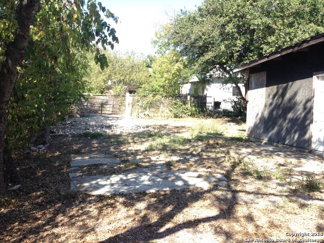 Pending   1609 W Travis St San Antonio, TX 78207 10