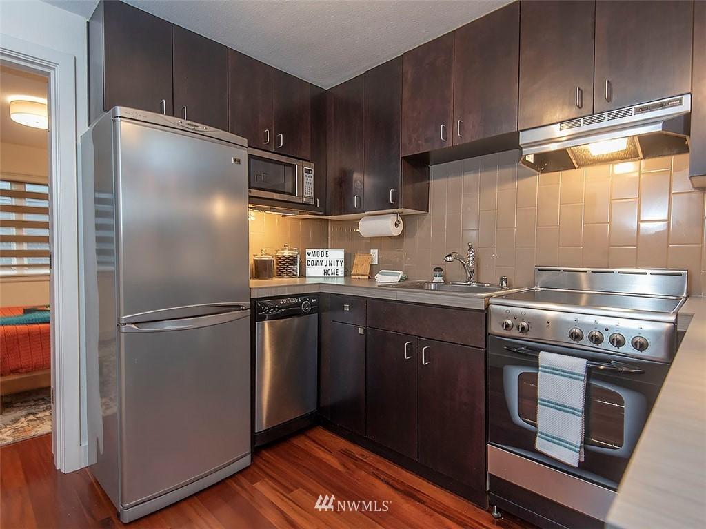 Active | 752 Bellevue Avenue E #202 Seattle, WA 98102 10