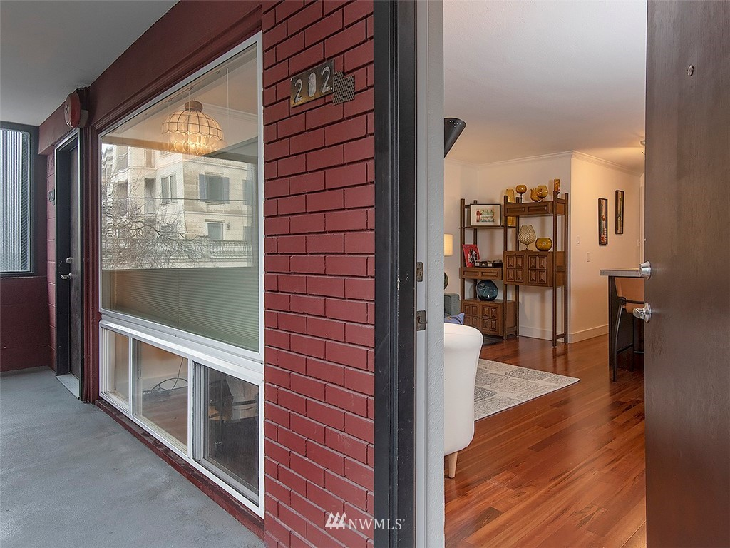 Active | 752 Bellevue Avenue E #202 Seattle, WA 98102 5