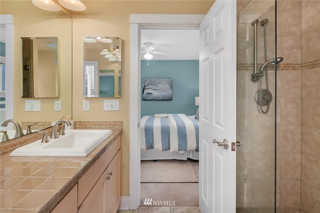 Sold Property   619 N 65th Street Seattle, WA 98103 14