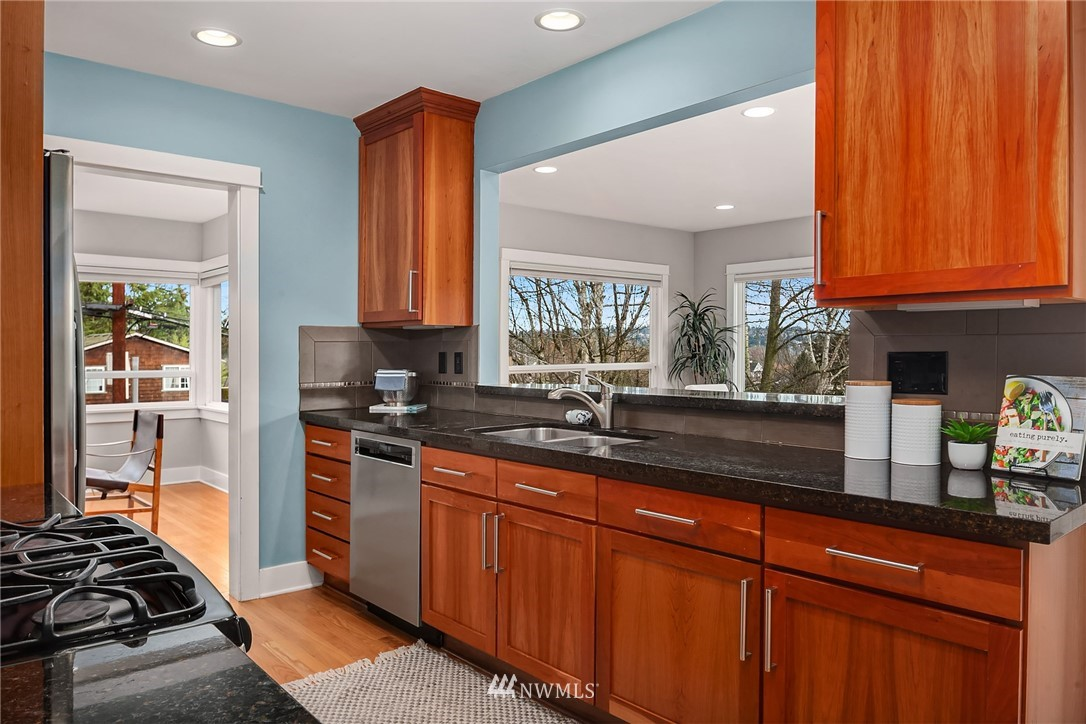 Sold Property   619 N 65th Street Seattle, WA 98103 4