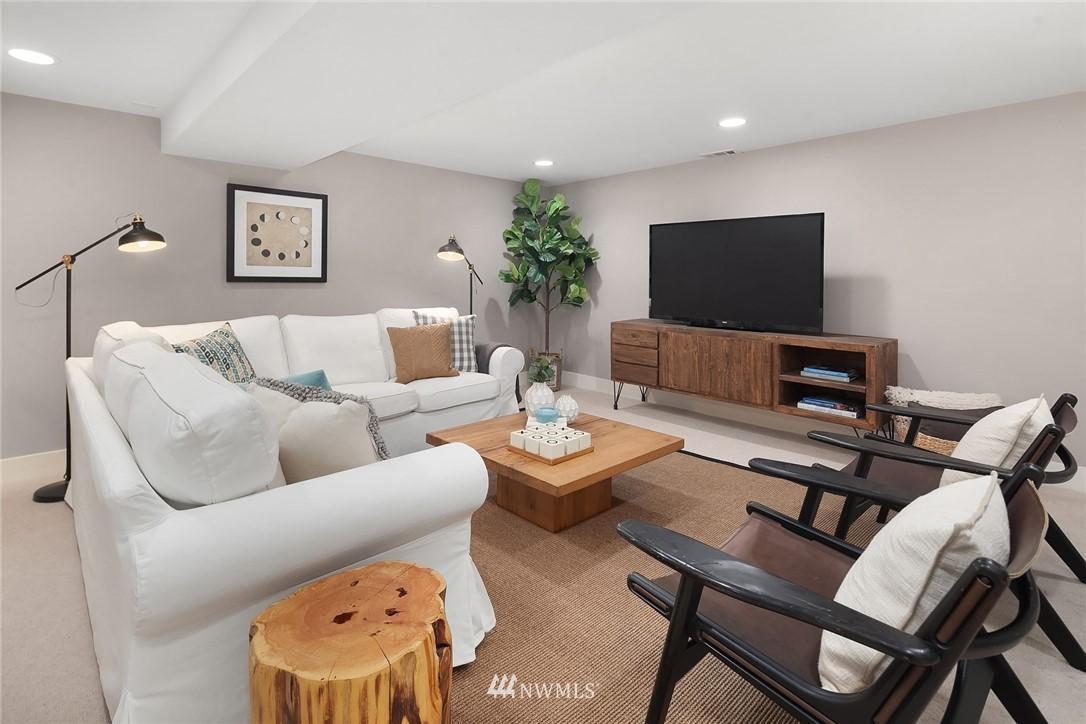 Sold Property   619 N 65th Street Seattle, WA 98103 19