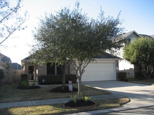 Off Market | 15807 Scenic Water Drive Houston, Texas 77044 3
