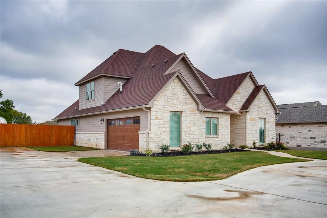 Closed | 207 Campo Colinas Drive Bertram, TX 78605 1
