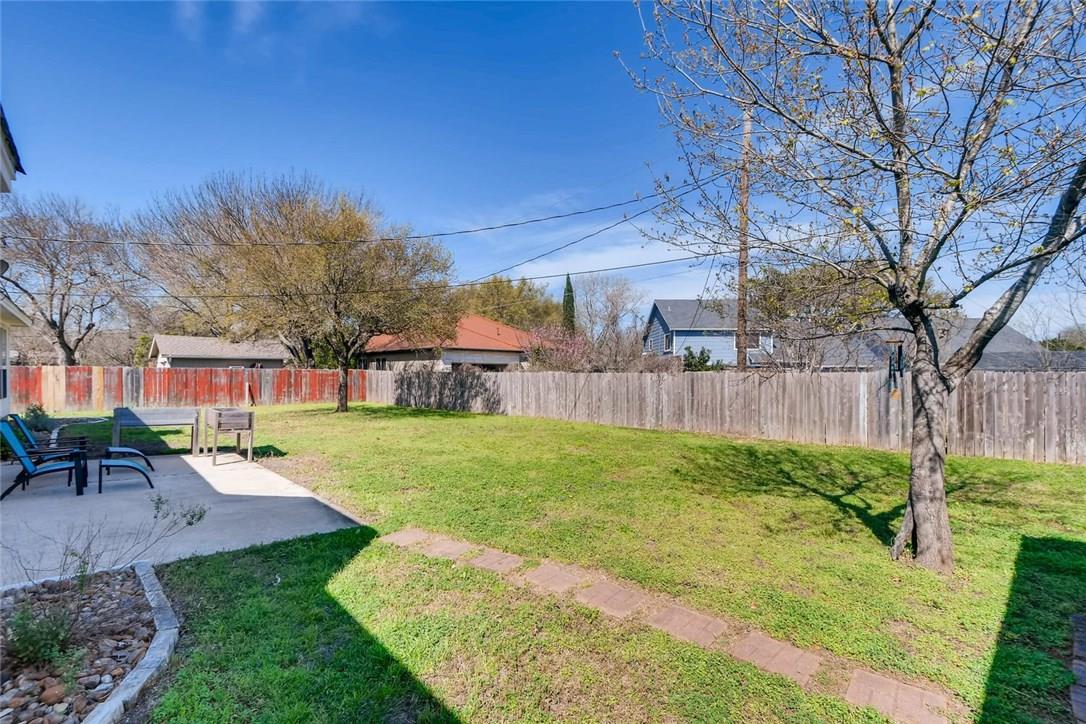 Closed | 8700 Black Oak Street Austin, TX 78729 23