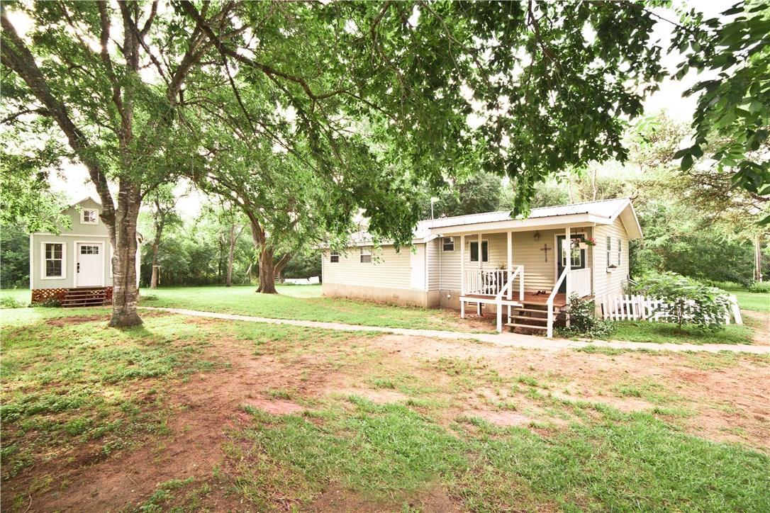 Closed | 659 Fox Lane Lockhart, TX 78644 3