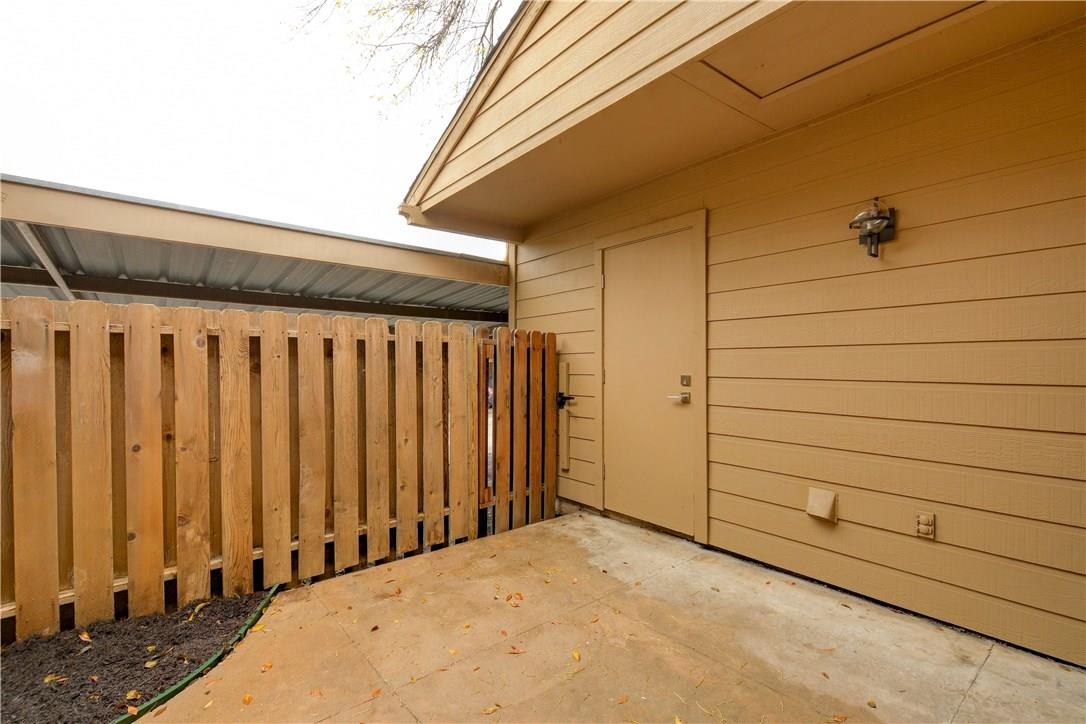 Closed | 824 Banister Lane Austin, TX 78704 24