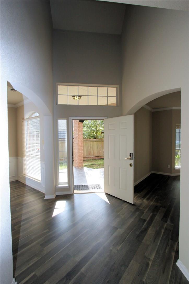 Closed   403 Geyser Avenue Pflugerville, TX 78660 4
