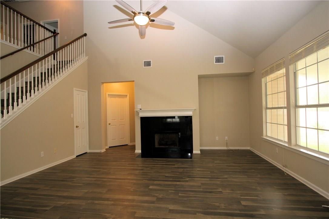 Closed   403 Geyser Avenue Pflugerville, TX 78660 10