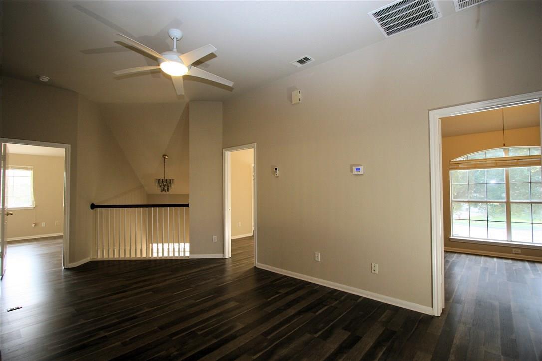 Closed   403 Geyser Avenue Pflugerville, TX 78660 17