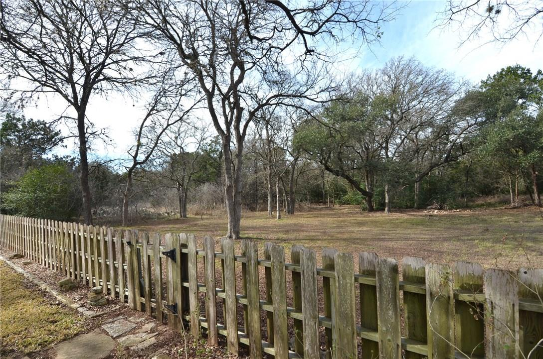 Closed | 4400 Twisted Tree Drive Austin, TX 78735 21