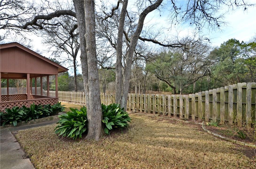 Closed | 4400 Twisted Tree Drive Austin, TX 78735 23