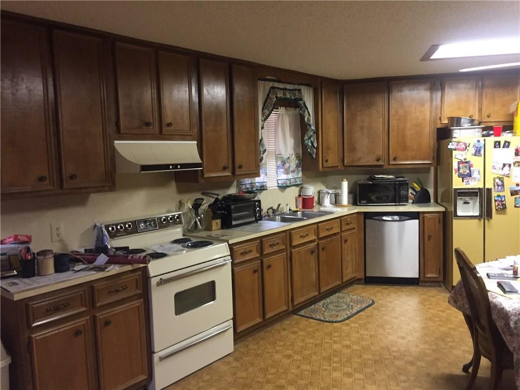 Closed   723 Fm 535 Smithville, TX 78957 18