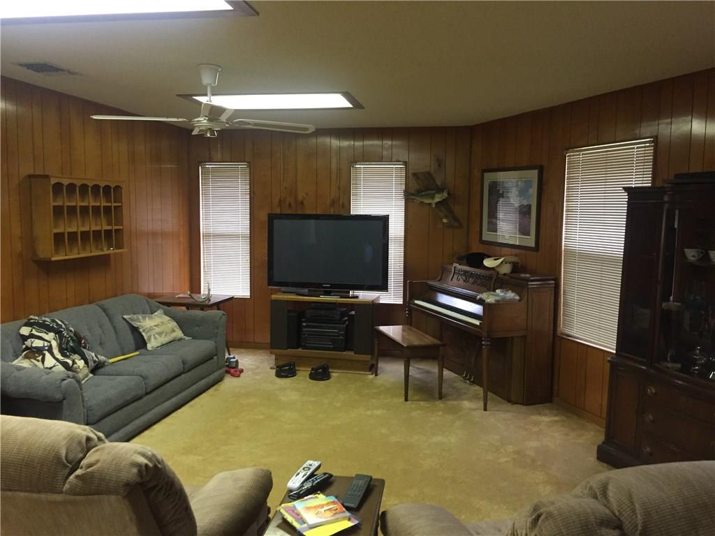 Closed   723 Fm 535 Smithville, TX 78957 19