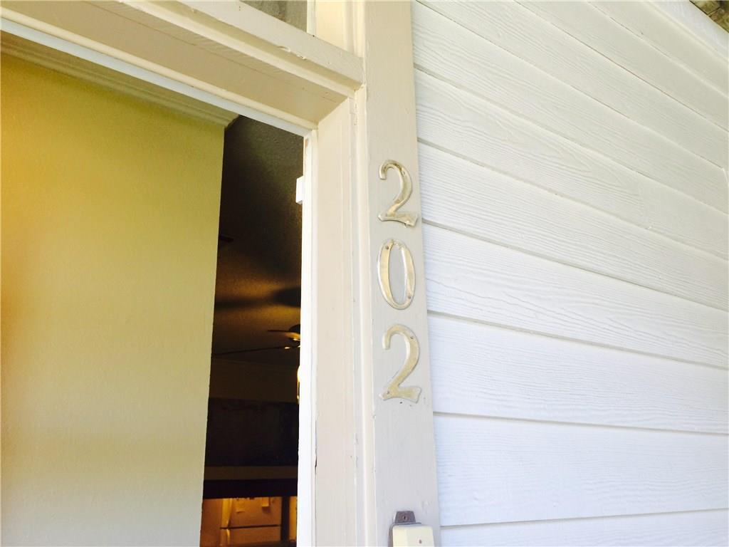 Closed | 715 W 22 1/2 Street #202 Austin, TX 78705 3