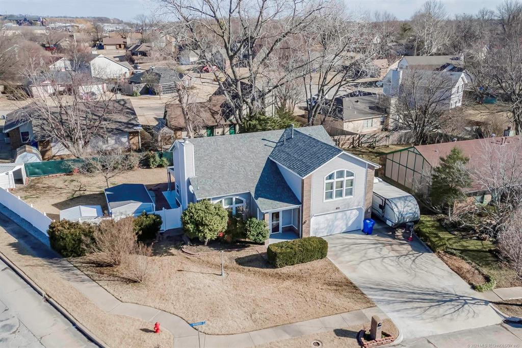 Off Market   1713 N Ironwood Place Broken Arrow, Oklahoma 74012 49