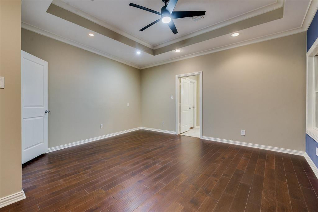 Pending | 727 Windbreak Trail Houston, Texas 77079 16