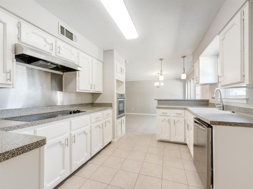 Active Option Contract | 1605 W Sanford Street Arlington, Texas 76012 9
