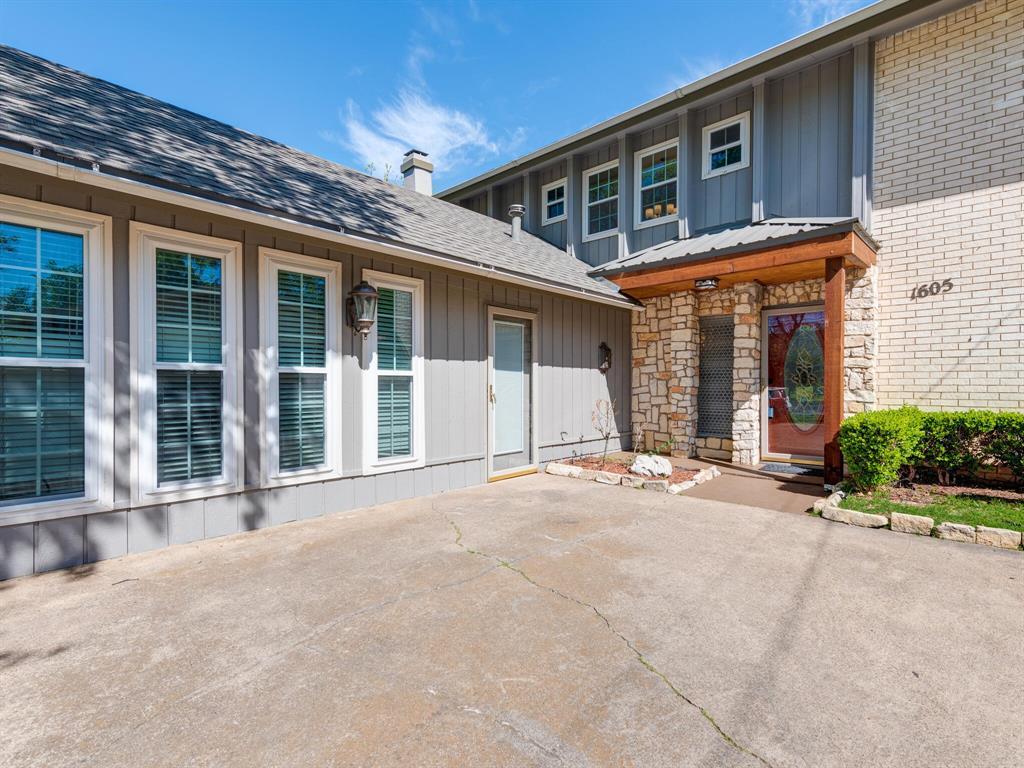 Active Option Contract | 1605 W Sanford Street Arlington, Texas 76012 1