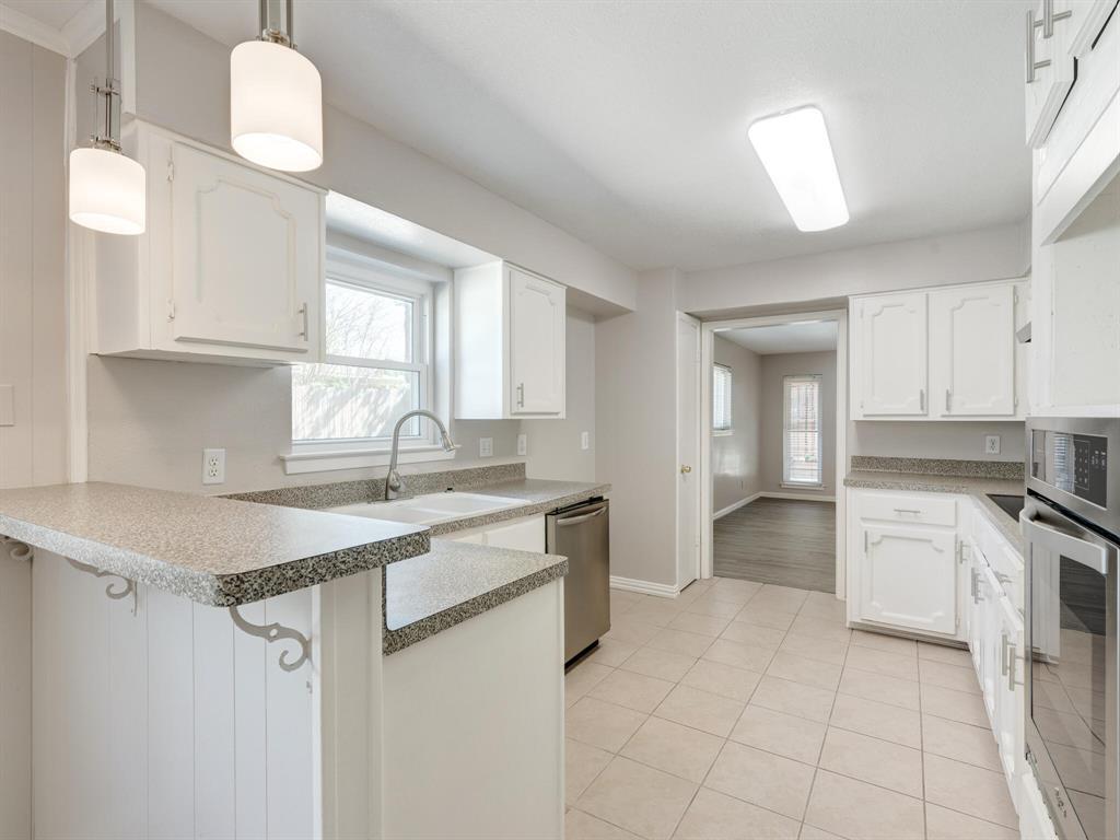 Active Option Contract | 1605 W Sanford Street Arlington, Texas 76012 8