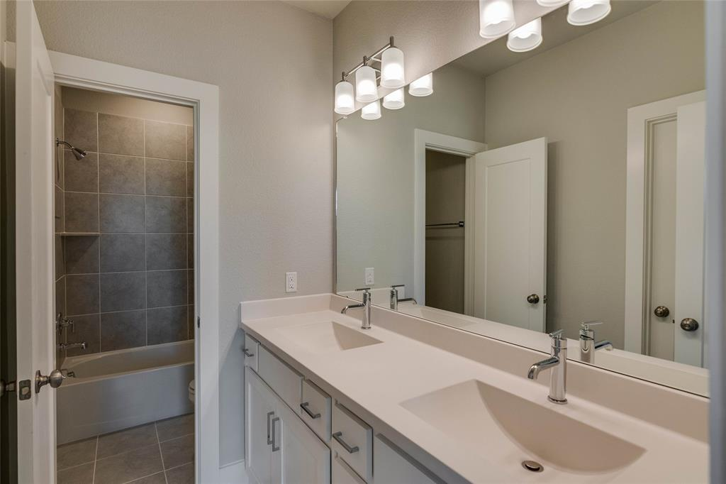 Pending | 4916 Ivy Charm Way Fort Worth, Texas 76114 12