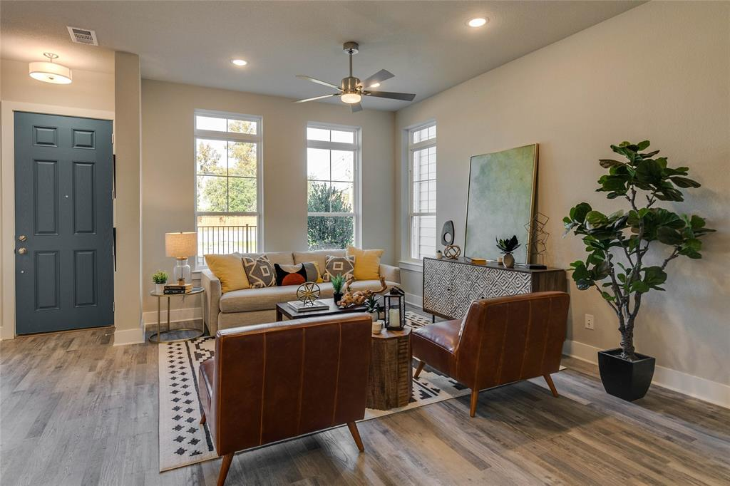 Pending | 4916 Ivy Charm Way Fort Worth, Texas 76114 3