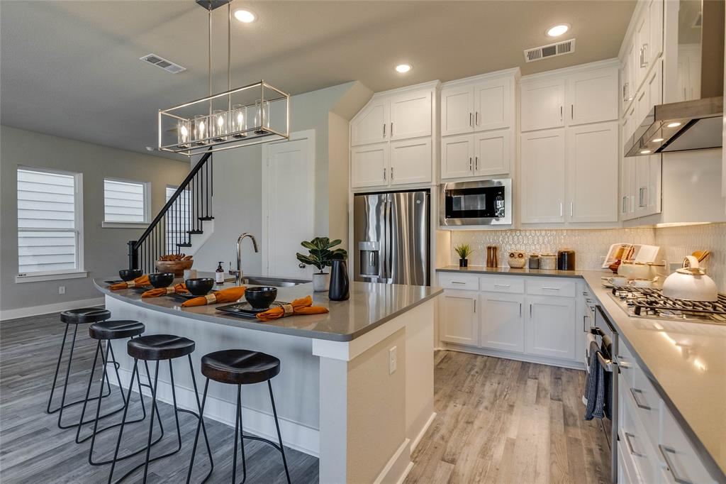 Pending | 4916 Ivy Charm Way Fort Worth, Texas 76114 7