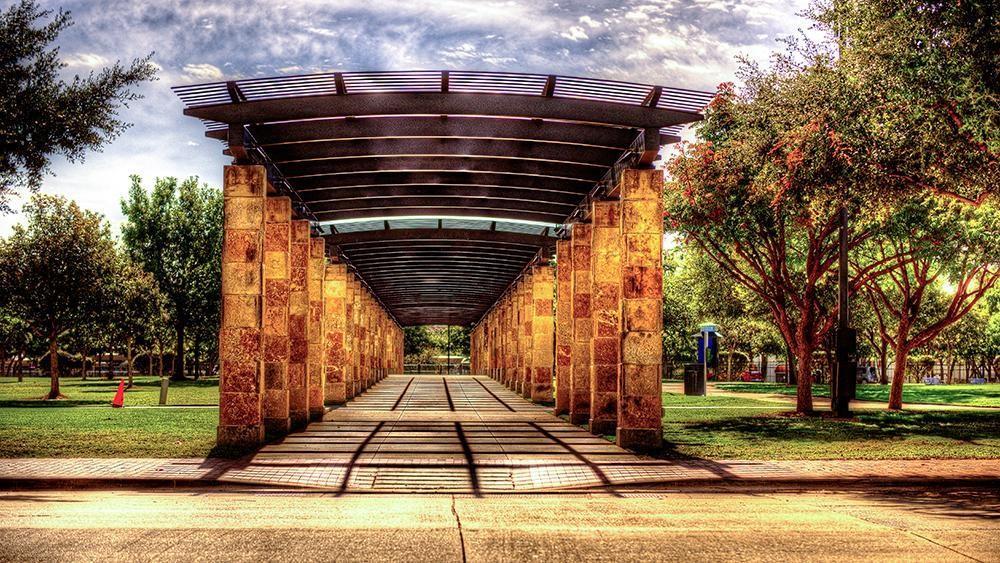 Pending | 14949 Oak Street Addison, Texas 75001 14