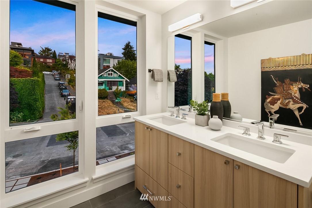 Sold Property   2361 Minor Avenue E #E Seattle, WA 98102 10