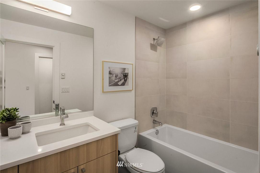 Sold Property   2361 Minor Avenue E #E Seattle, WA 98102 15