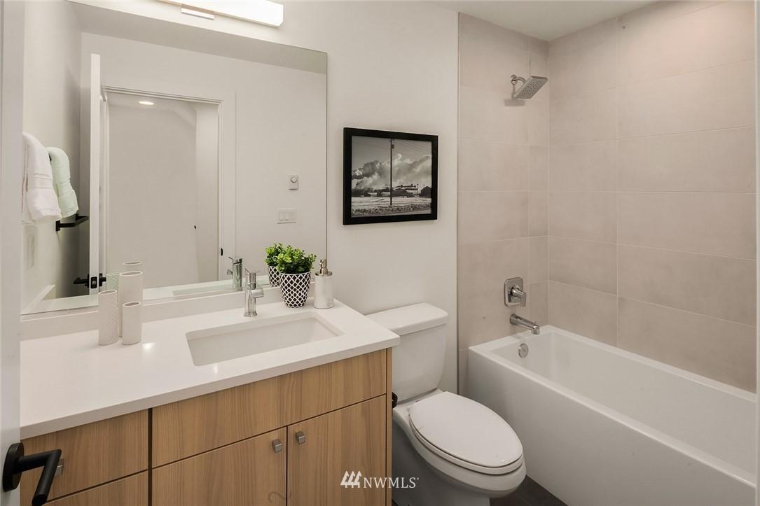 Sold Property   2361 Minor Avenue E #E Seattle, WA 98102 19