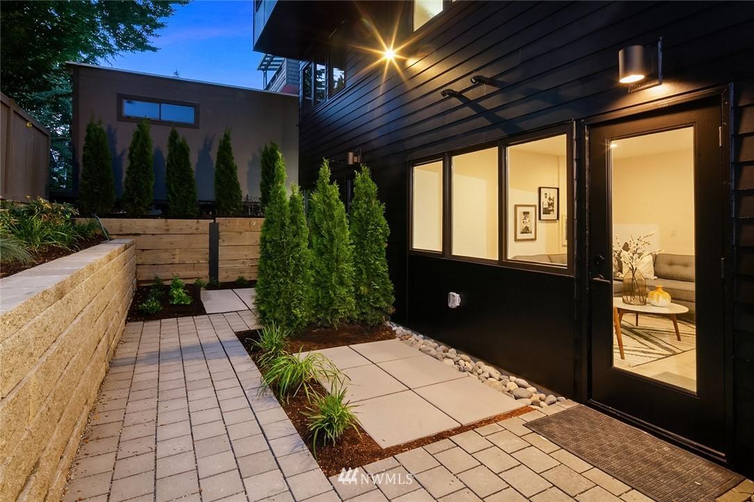 Sold Property   2361 Minor Avenue E #E Seattle, WA 98102 20